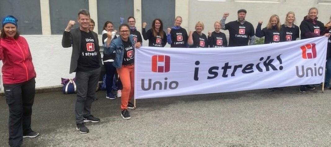 Streikemarkering ved Kysthospitalet i Hagavik.